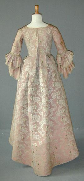 dress c 1760-70 ma