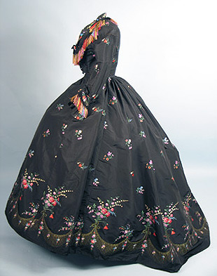 Dress French brocade 1860s New Orleans AA