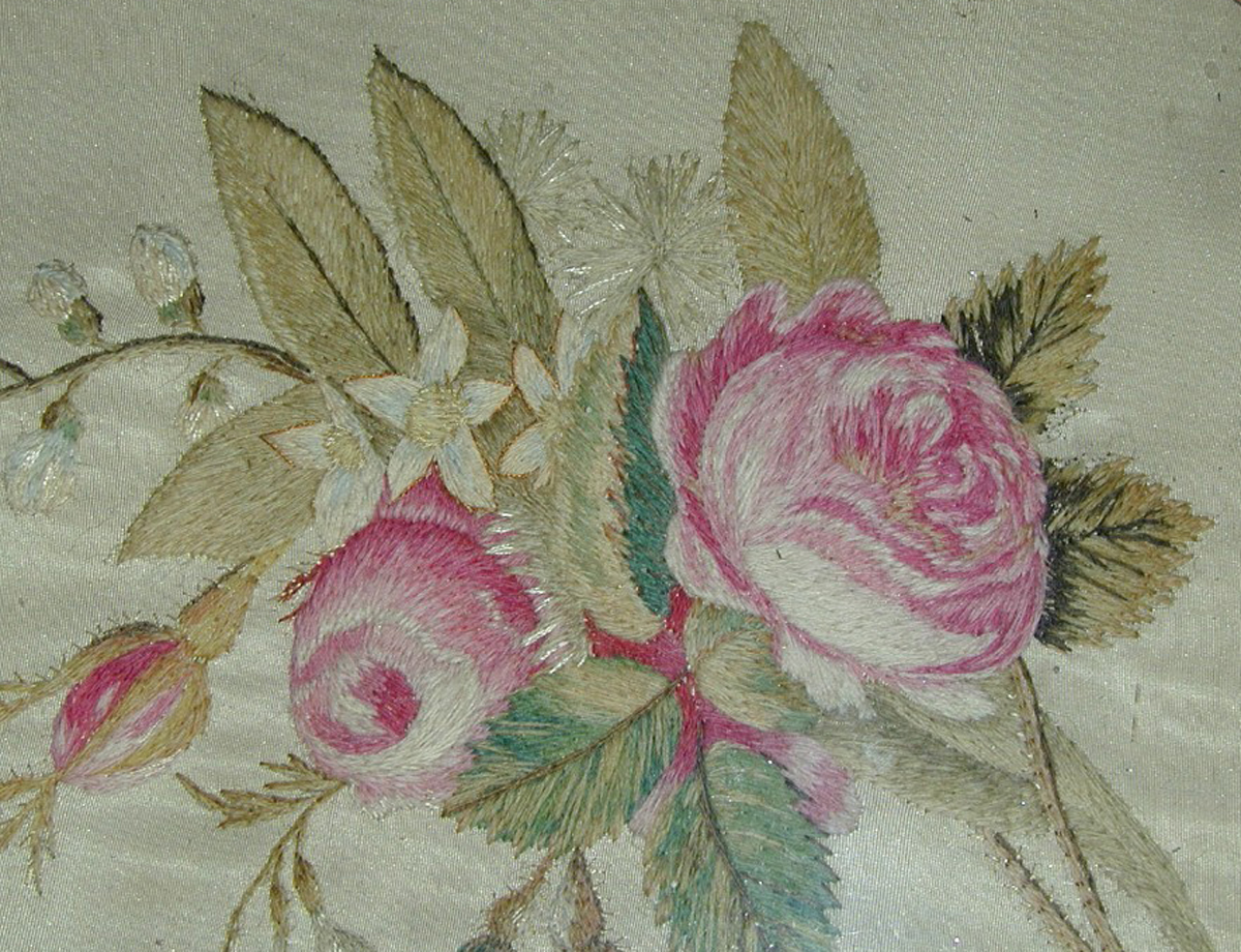 Embroidery pink roses ma trouvais