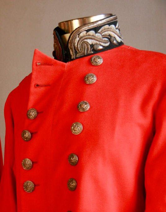 red_coat_neck_pair