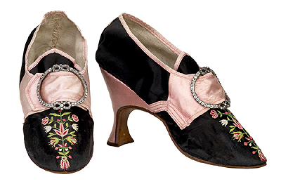 Shoes black pink victorianamag