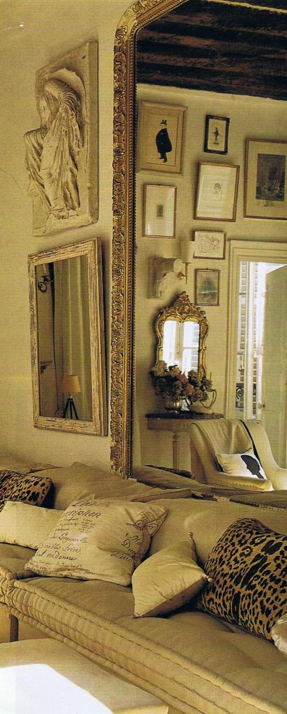 Paris apartment of Stephen Shubel