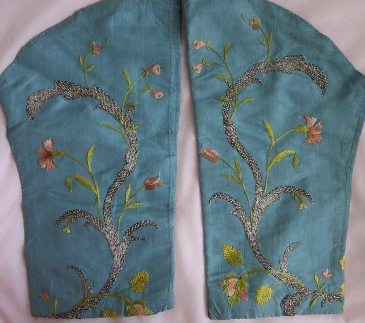 Antique sleeves