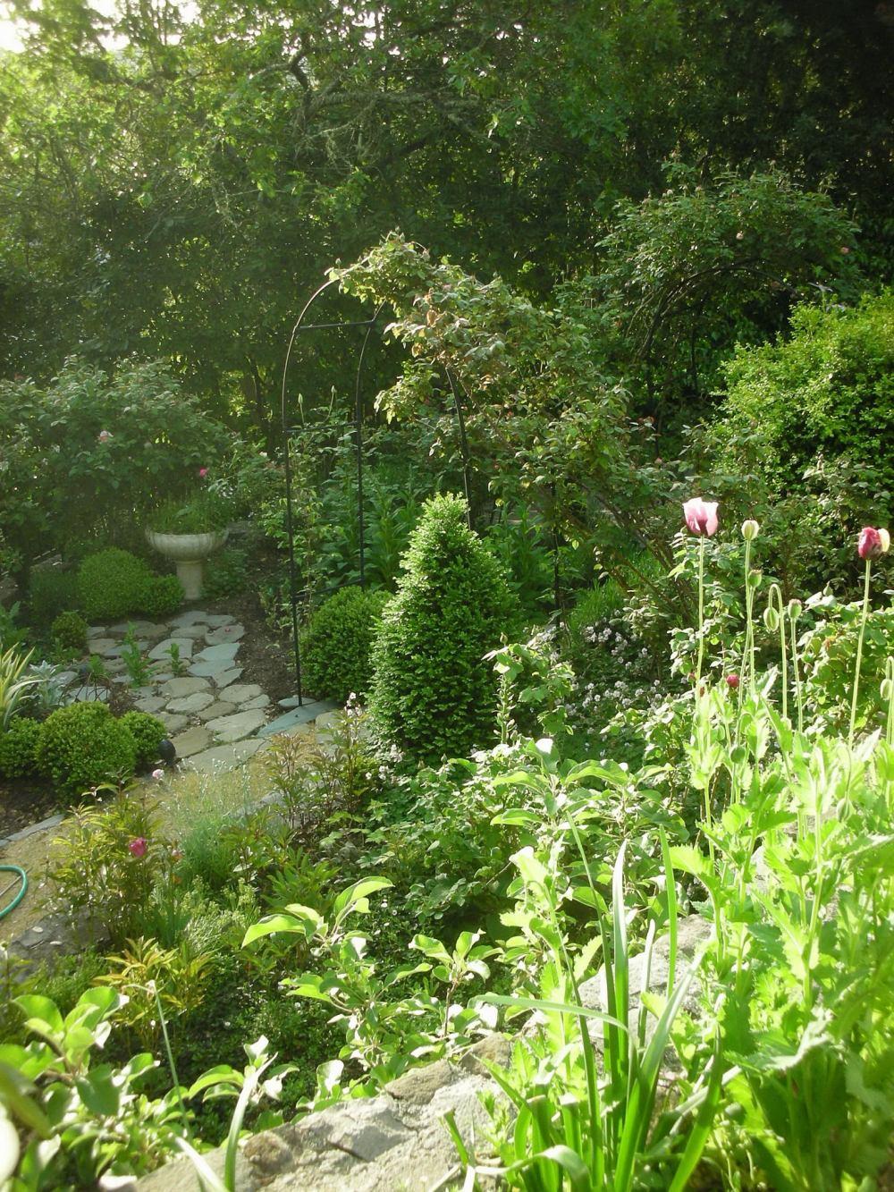 Spring Garden Trouvais