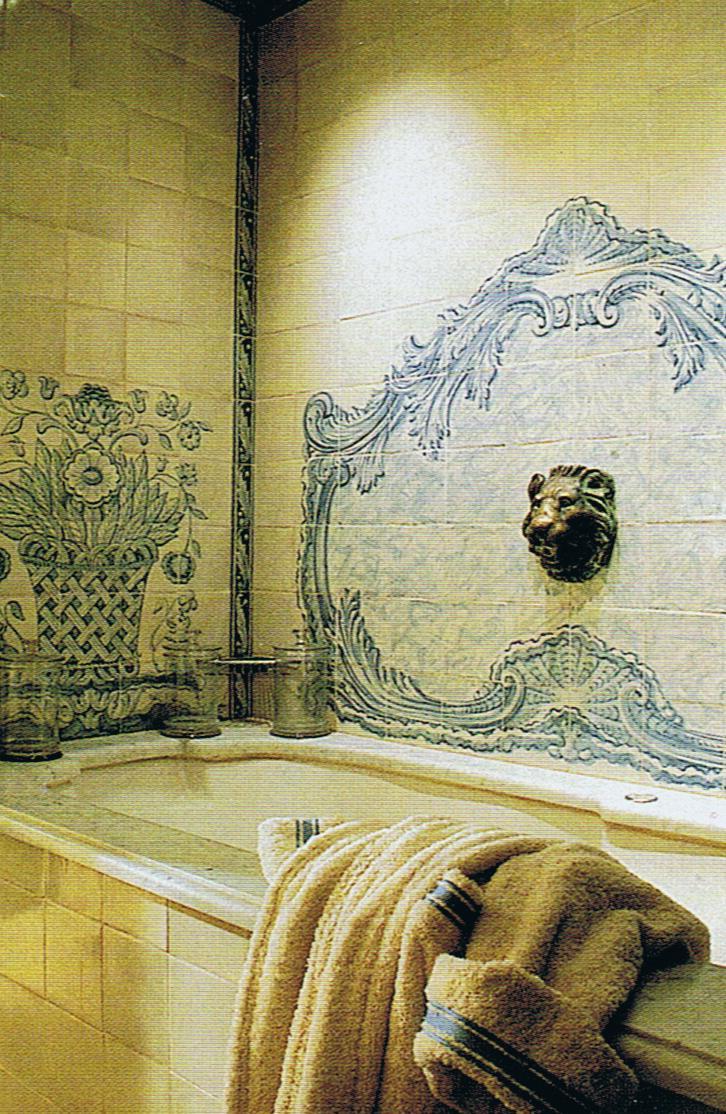 Provencal bath alcove with custom tile