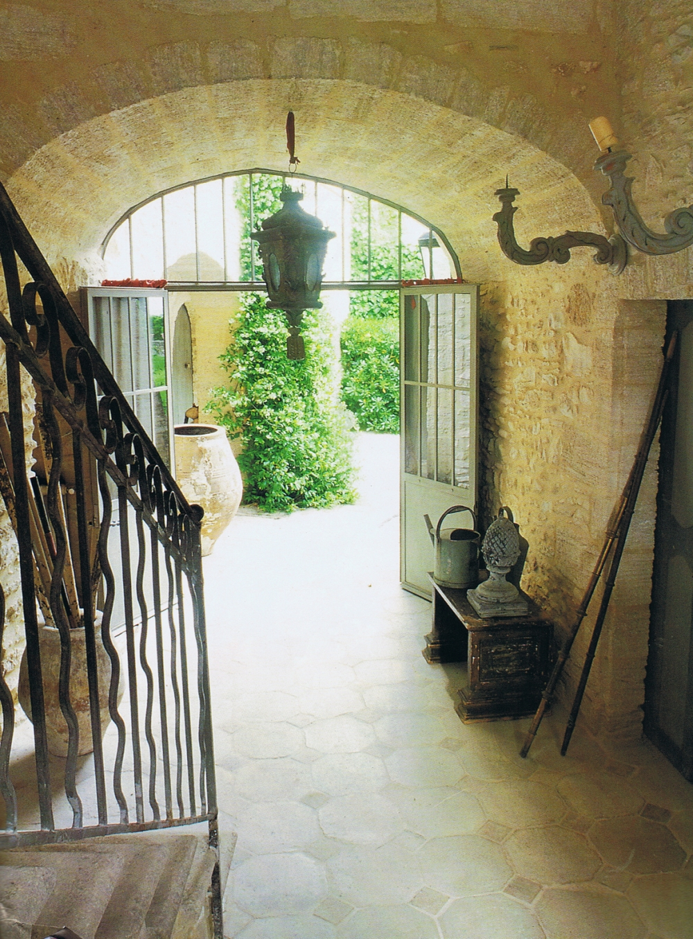 Provence entryway