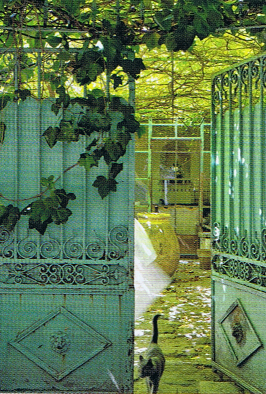 Courtyard in Avignon