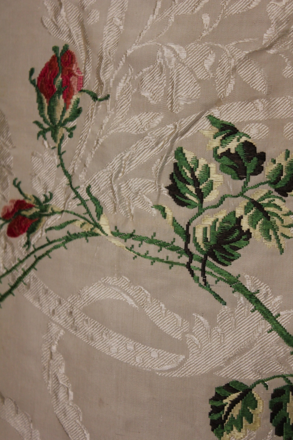 Trouvais...antique textiles