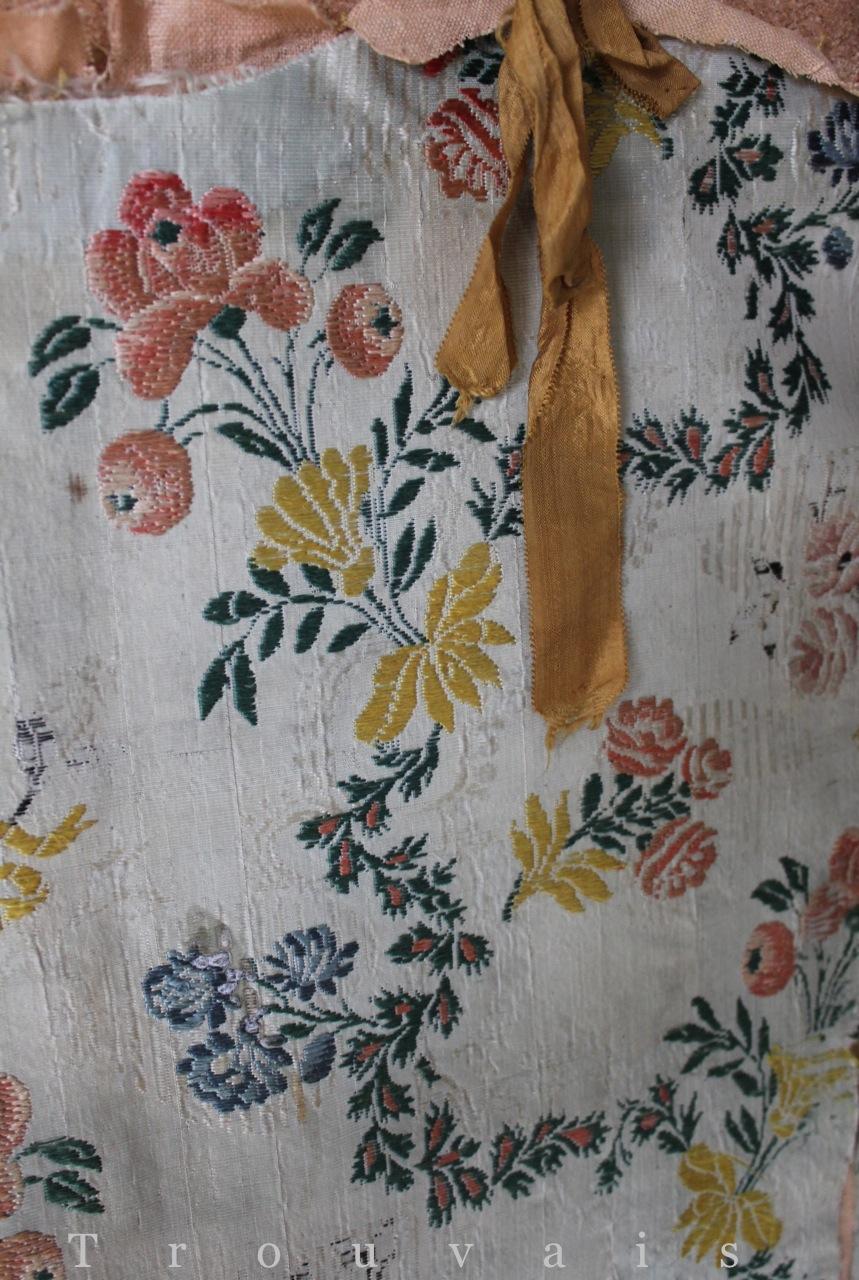 Trouvais antique textiles