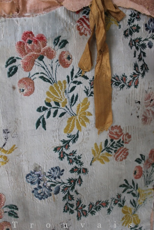 Trouvais antique textiles