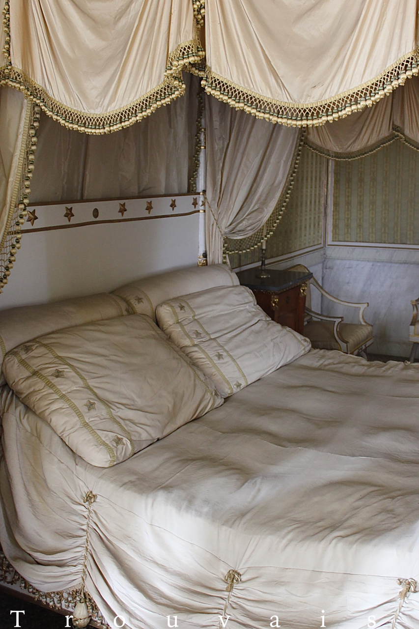 Trouvais Villa Pisani Napoleon bed