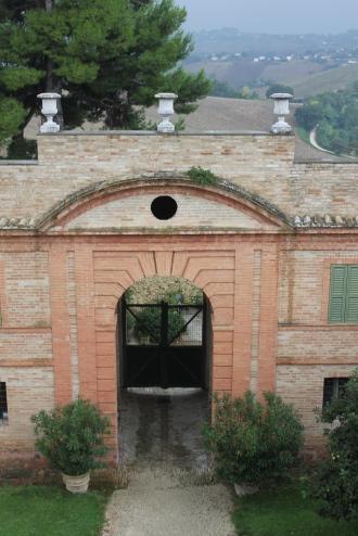 Trouvais Villa Centofinestre